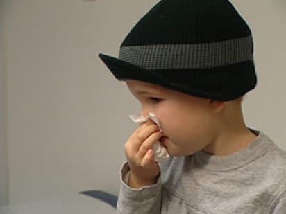 Seguros de salud, niño constipado