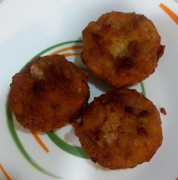 Sugerencia de presentación en el plato de los nuggets caseros de pollo